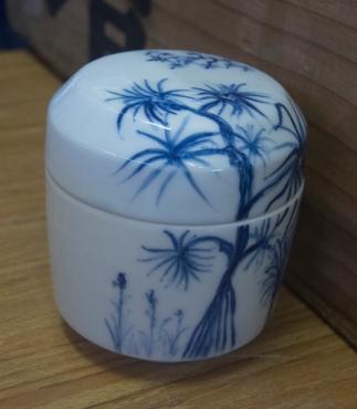Gosu painting on Arita porcelain
